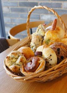 ココロンドのパンセット | 岩国市のパン屋ならイロハーブ