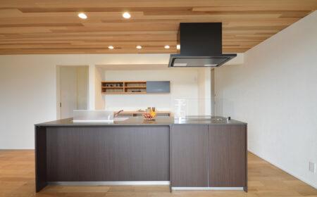 アイランドキッチン | 岩国市で新築一戸建てならネストハウス